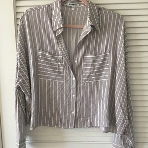 EXPRESS cropped button up blouse